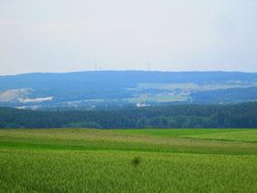 viel Landschaft (Monte Kaolino und Naabgebirge)