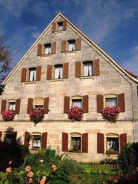 Heroldsberg-Großgschaid: herrliche Sandsteinhäuser