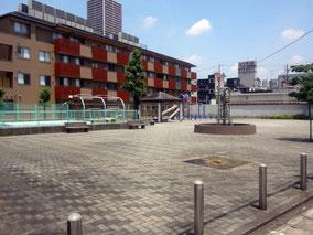 愛宕公園(建物南側)