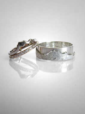 Wedding rings - skyline of the Mont-Blanc massif - white gold and silver - Nelly Chemin