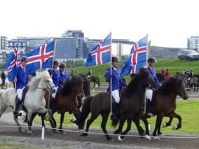 Landsmott-Reykjavík-IJslandse-paarden-.jpeg
