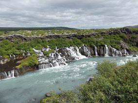 Hraunfossar-rwateval-rondje-IJsland-.jpeg