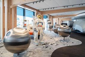 MAG Lifestyle Magazin online Schweiz Omega Uhren interaktives Museum Biel Bienne Mond James Bond Olympische Spiele