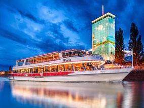 MAG Lifestyle Magazin Reisen Urlaub Reisen Österreich DDSG Gaumenspiel Genuss Trüffelmarkt Kreuzfahrt Schiff Wien Donau Gourmets Starkoch Heinz Hanner