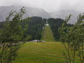 mag lifestyle magazin online reisen urlaub events österreich kulm skisprungschanze bad mitterndorf tauplitz countryfest wilder westen skispringer cowboys