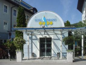 MAG Lifestyle Magazin online Urlaub Reisen Österreich Graz Hotel Paradies Arnold Schwarzenegger Museum unter Hammer Abriss Auktion Sammlerstücke Sportfans