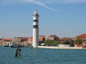Venedig Murano Insel mundgeblasenes Glas Glasfabrik Glasherstellung Tradition Kunst Luxus Obstluster Blumenluster