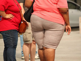 mag lifestyle magazin gesundheit corona covid übergewicht unterschätzte gefahr lockdown homeoffice ungesunde ernährung zuviel essen bewegungsmangel