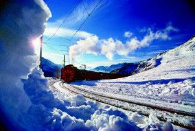 MAG Lifestyle Magazin - Urlaub & Reisen in der Schweiz für Eisenbahnfreunde: erleben Sie eine Dampfschneeschleuderfahrt auf der Bernina Strecke der RhB