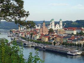 MAG Lifestyle Magazin Reisen Urlaub Deutschland Passau Hotel Wilder Mann Sisi Elisabeth Kaiserin von Österreich Geschichte Glasmuseum Rathausplatz residieren historisches Ambiente