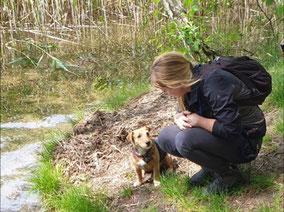 Die Hundetrainerin Stefanie Wehling mit teamdog Joshi