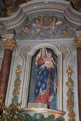 Statue de Vierge à l'Enfant