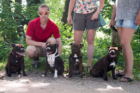 Staffmate the Devil Wears Prada (links), met haar 6 mnd oude dochters. Alleen Staffmate Fast Valentino ontbreekt