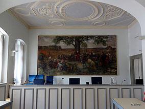 Richterstuhl Saal 12 im EG.