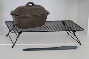 Pampered Chef Produkte Auswahl, Kuchengitter, Messer, kleiner Tontopf