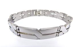 un bracelet en acier pour votre valentin