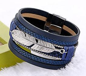 Manchette cuir bleu et breloque plume argenté