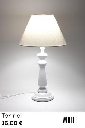 Lampada abat-jour in legno bianco, ideale per camera da letto shabby chic
