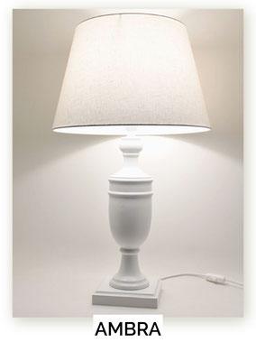 Lampada da tavolo in legno modello Ambra.