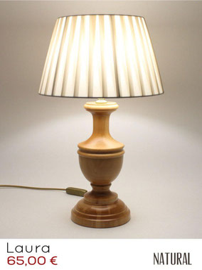lampada da comodino in vero legno.