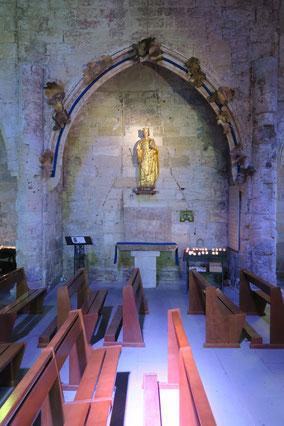 Bild: Im Inneren der Église Notre-Dame-des-Sablones in Aigues Mortes