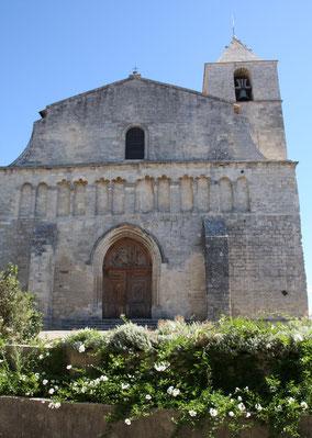 Bild: Eingangsportal der Kirche Notre-Dame-de-Pitié in Saignon, Vaucluse