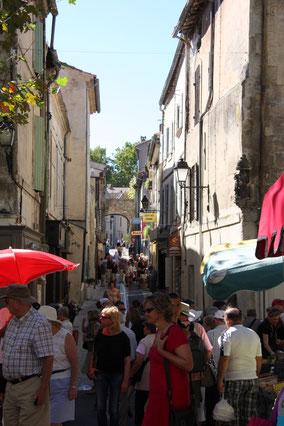 Bild: am Markttag in St-Rémy-de-Provence