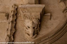 Bild: Kreuzgang der Abbaye Montmajour
