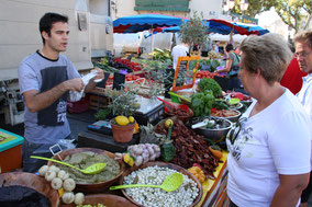 Bild: am Markt in St-Rémy-de-Provence
