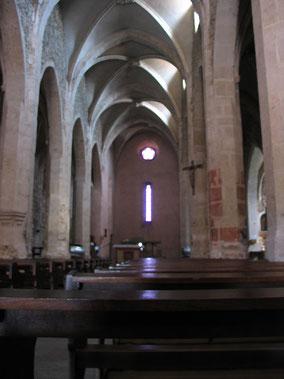Bild: im Innern der Kirche von Pérouget