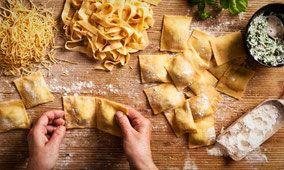 Кулинарный мастер-класс в Таормине по приготовлению свежей пасты с чистого листа и приготовление канноли