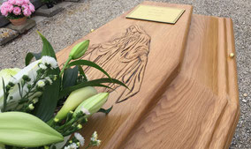 gravure-vierge-marie-capot-cercueil-tombeau-droit-chene-massif