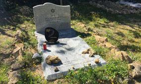 monument-funeraire-granit-marbre-de-carrare