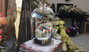 plaque-funeraire-boule-de-neige-sous-cloche-en-verre-orabge-orange-vaucluse-84