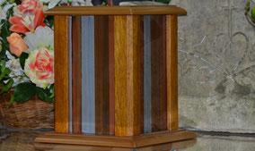 urne-cineraire-cannelure-chene-massif-cremation-inhumation-columbarium