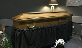 cercueil-chene-massif-gordes-sculpte
