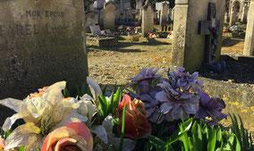 fleurs-artificielles-ornement-sepulture