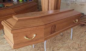 cercueil-chene-massif-sculpture-visage-vierge-marie