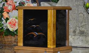 urne-cineraire-oiseaux-chene-resine-laquee-crematorium-avignon-coudoulet