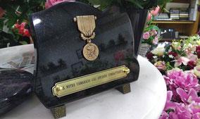 plaque-funeraire-granit-bronze-ancien-comabttant-obseques-combattant