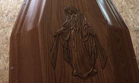 sculpture-cercueil-visage-vierge-marie-jesus-christ