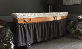 mise-en-biere-cercueil-sculpte-vierge-marie