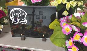 plaque-gravee-funeraire-personnalisee-pompier-gravure-blanche-cadeau-obseques-enterrement-vaucluse-avignon-orange-magasin-pompes-funebres