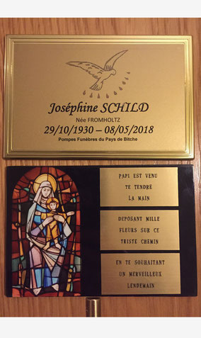 gravure-plaque-personnalisee-cercueil-obseques