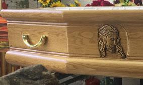 cercueil-chene-massif-sculpture-visage-christ