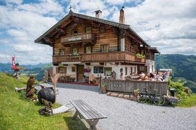 Urlaub auf der Almhütte in den Kitzbühler Alpen