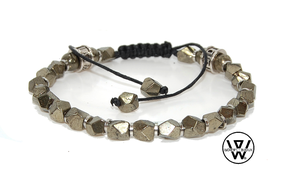 bracelet homme,bracelet cordon,bracelet perle,bracelet tendance,bracelet fashion,menstyle,bijoux homme,bracelet homme tendance,elegant,elegant homme,bracelet designer,bracelet homme perle