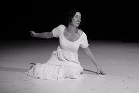 """Joana Landsberg als """"Die Braut"""" aus """"Bluthochzeit"""" von Garcia Lorca"""