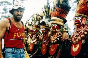 Gangerl Clemens bei indigenen Völkern