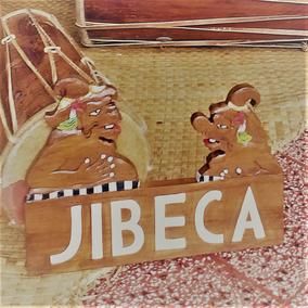 ルミカ氏作の木彫りのジベカ看板!